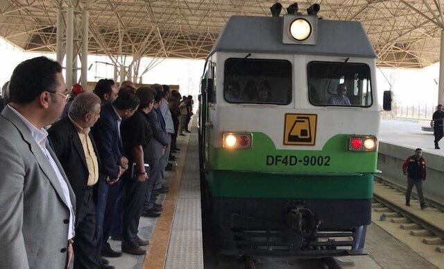 قطار گلشهر-هشتگرد به زودی مسافرگیری می نماید