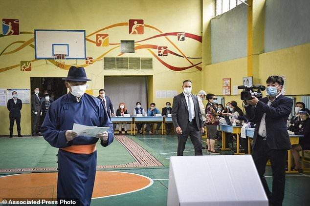 حزب خلق مغولستان، اکثریت قدرتمند مجلس را حفظ می کند
