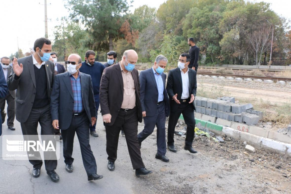 خبرنگاران خط 3 و 4 قطار حومه ای تهران-ورامین- پیشوا به بهره برداری می رسد