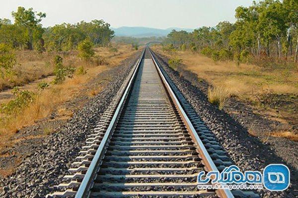 تکمیل ضلع سوم گردشگری با بهره برداری از راستا راه آهن اقلید به یزد